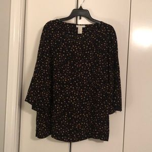 H&M black and flowers top